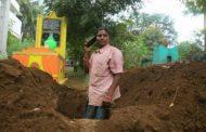 5000 அனாதை பிணங்களை அடக்கம் செய்த இளம் பெண்!
