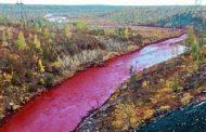 சிவப்பு நிறத்தில் மாறிய ஆறு.. இதுதான் காரணமா?.. பீதியடைந்த பொதுமக்கள்.....