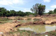 கிளிநொச்சி பெரியகுளம் பகுதியில் தொடர்ச்சியான சட்டவிரோத மணல் அகழ்வு