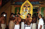 யாழில் பிரபல ஆலயம் ஒன்றில்  சாமி தூக்கிய இராணுவத்தினர்..!!!!