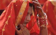 பணத்திற்காக மனைவியை  விற்ற கணவன்