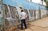 இந்தியாவில் பொது இடத்தில் சிறுநீர் கழித்ததை தட்டி   கேட்ட நபருக்கு நேர்ந்த கதி!